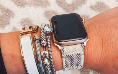 APPLE WATCH REVIEW + WHY I LOVE IT!