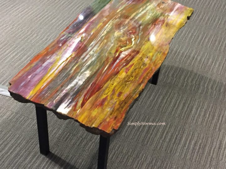 The Zuhl Museum, Table