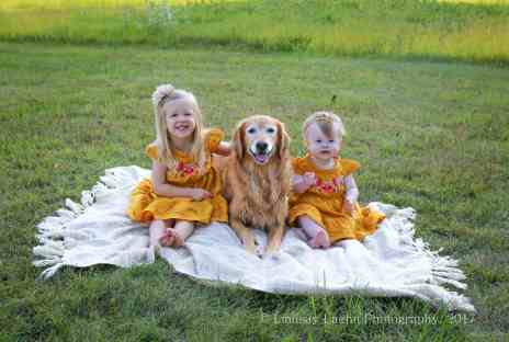 how to get your dog to pose for photo sessions, family photos, fall family photos, stainmaster, dirty carpets