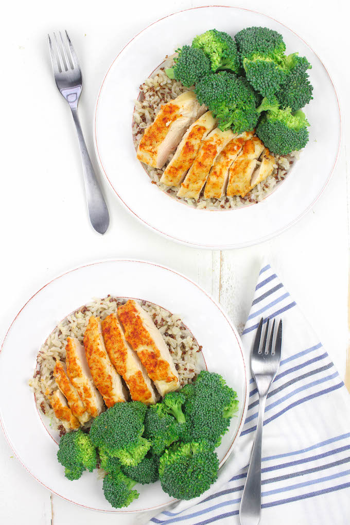 3- Ingredient Hummus Crusted Chicken is simple, healthy and delicious. #lowcarb #wholefood #cleaneating