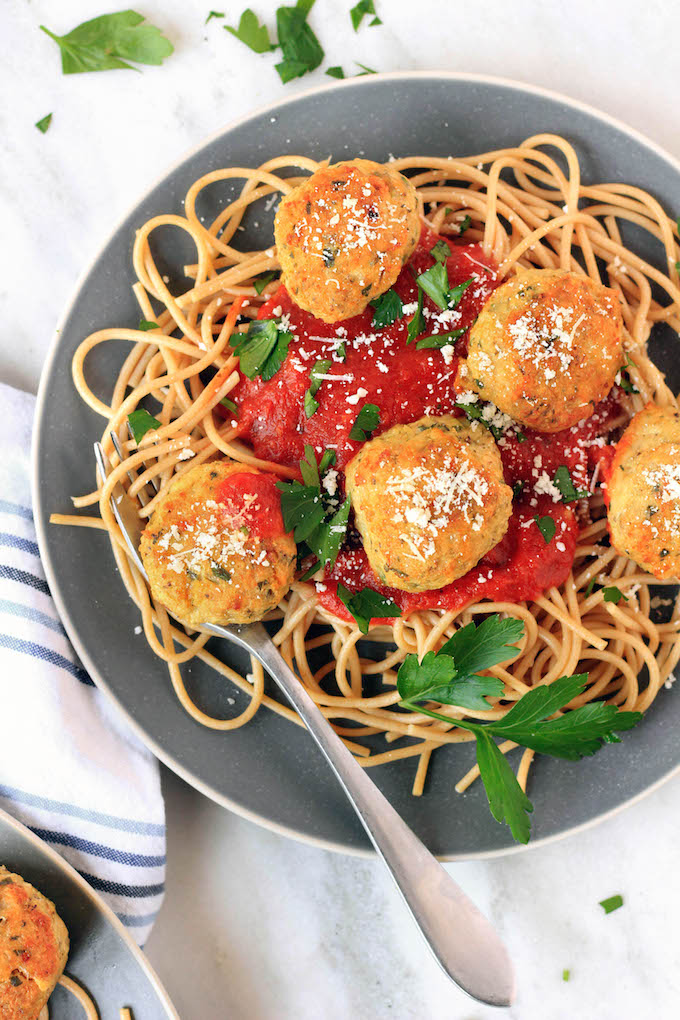 Italian Chicken Meatballs are made with just 10 ingredients and 30 minutes. Savory, flavorful, juicy and full of protein. The perfect family friendly weeknight dinner. #lowcarb #gluten-free