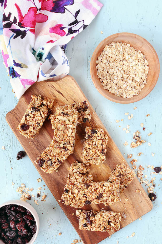 No Bake New Mama Lactation Bars are super simple to throw together, and contain ingredients thought to be helpful in boosting milk supply in breastfeeding mamas (i.e. oats, flax, count). A batch of these guys is the perfect gift for you favorite new-mama-to-be!