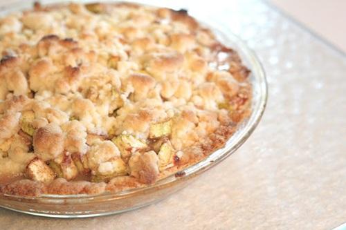 Apple Zucchini Crumb Pie