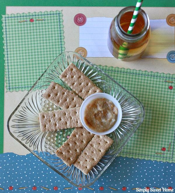 Peanut Butter Apple Sauce Dippers