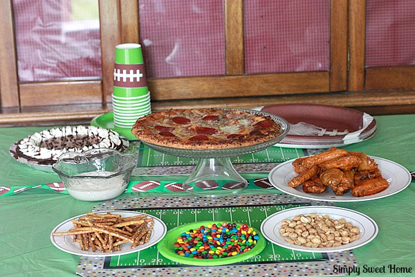 Homegating Party Table 2