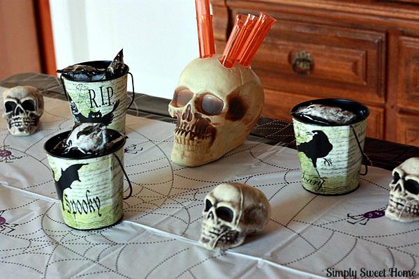 Halloween Table 2