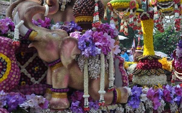 Flower-Festival Chiang Mai – Ein Meer aus Farben und Blumen