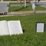 lezen op je telefoon, e-reader of uit een boek