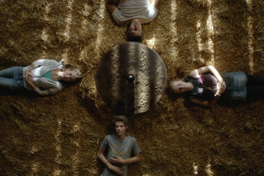 under_the_dome_s01e11_720p_kissthemgoodbye_net_0043