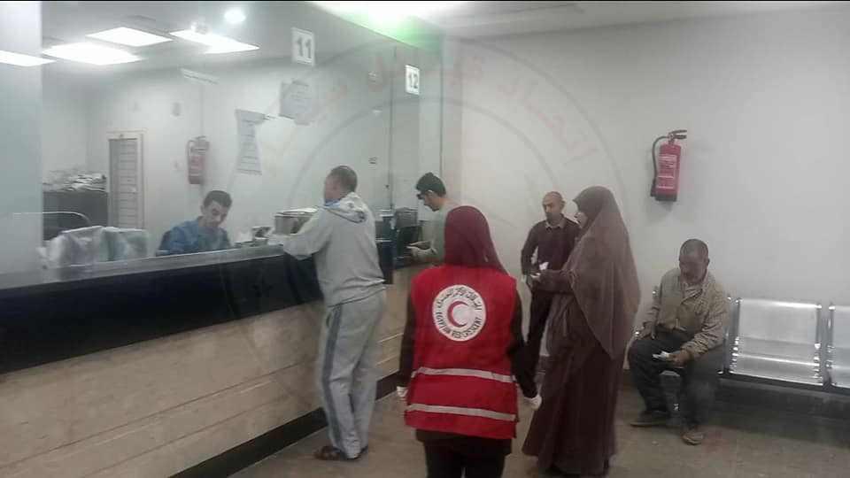 متابعة محافظ شمال سيناء لعملية صرف المعاشات للمستحقين على مستوى المحافظة