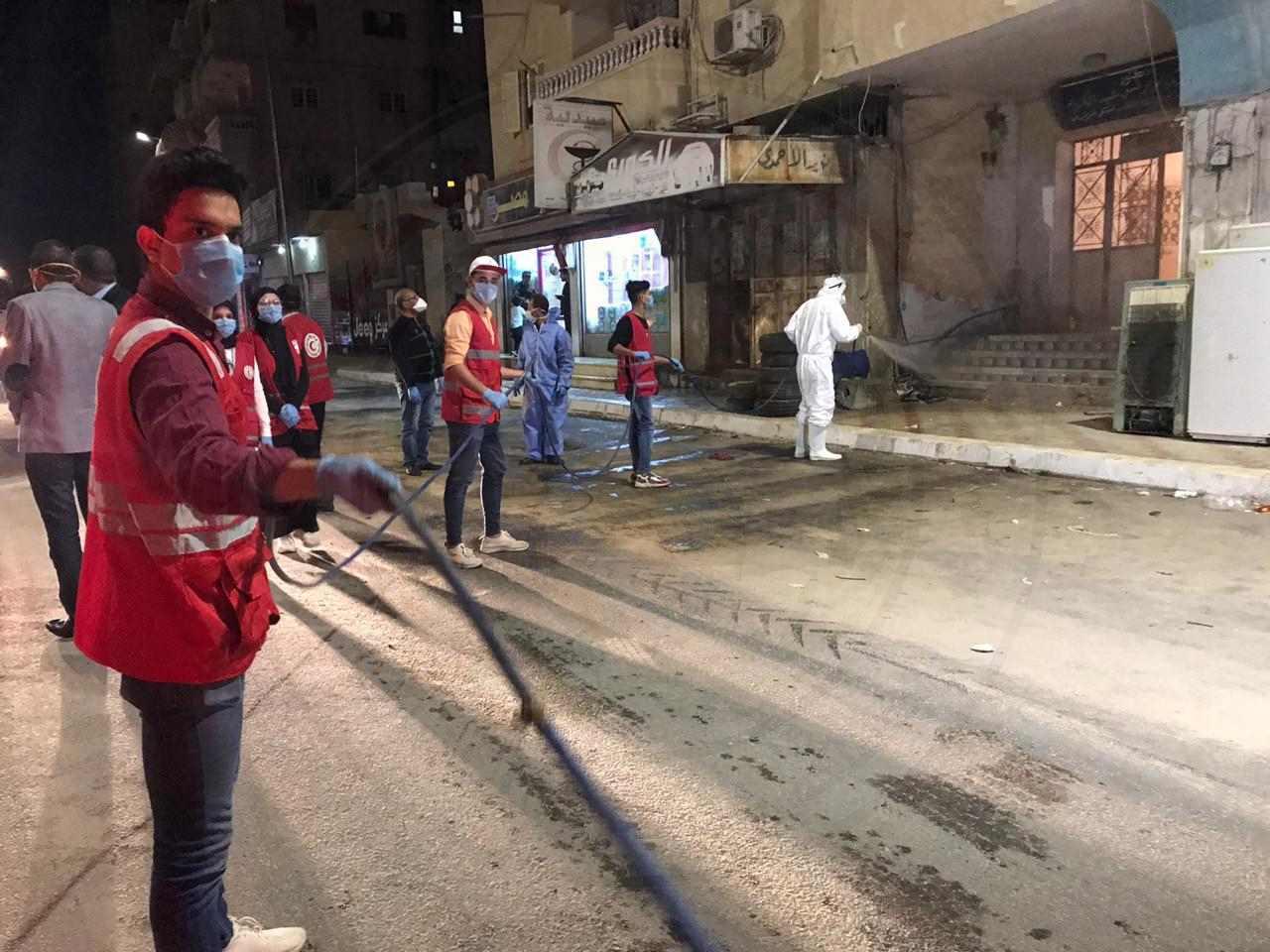 أربعة جهات حكومية بشمال سيناء تواصل حملة تعقيم شوارع العريش