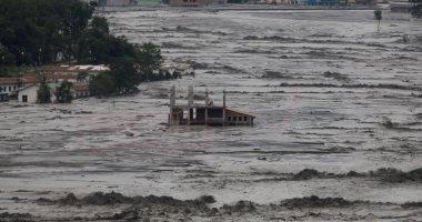 مصرع 7 على الأقل وأكثر من 20 مفقودا بسبب الفيضانات بنيبال.. فيديو وصور