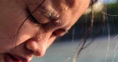 تزامنا مع الموجة الحارة.. كيف تحمي نفسك من الإصابة بضربة الشمس؟