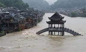 وفاة 25 شخصا على الأقل إثر فيضانات عارمة في الصين