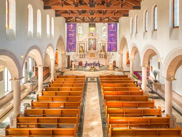 Interior de la Parroquia Santa Inés