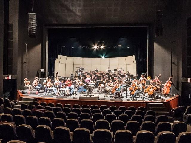 Sinaloa Symphonic Orchestra of the Arts (OSSLA)
