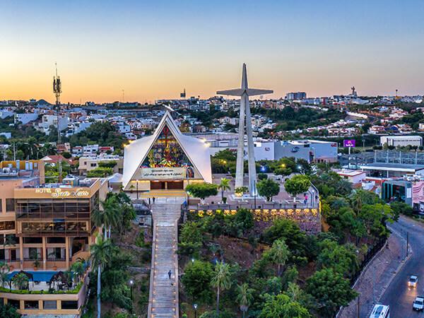 """Parroquia de Nuestra Señora de Guadalupe """"La Lomita"""""""