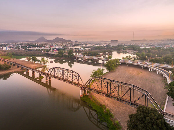 El Puente Negro
