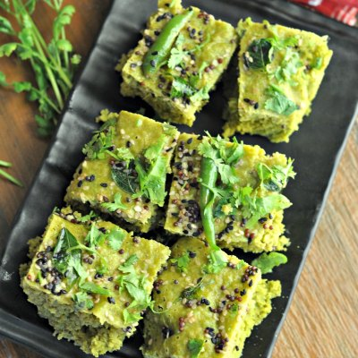 Palak Dhokla : Steamed Spinach Lentil Cakes