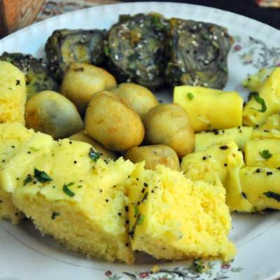 A Hearty Gujurati Meal, Dal Recipe & Meeting Blogging Friends