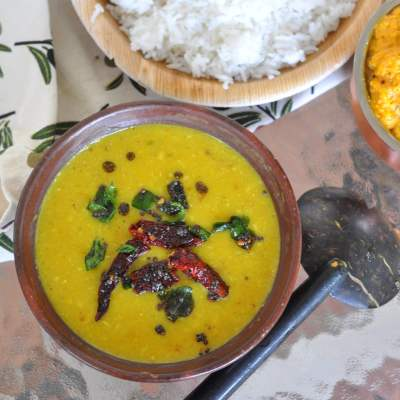 Onam Recipes : Parippu (Moong Dal With Coconut)