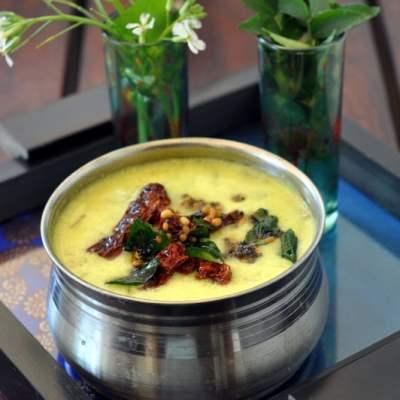 Mor Kuzhambu (Lightly Spiced Buttermilk Curry)