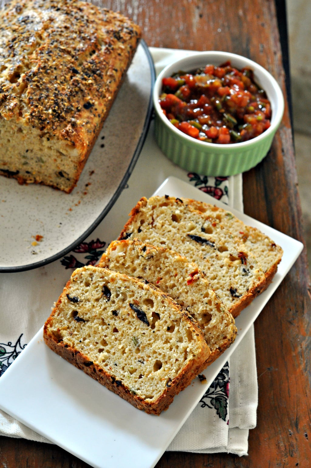 Olive and Sundried Tomatoes Quickbread