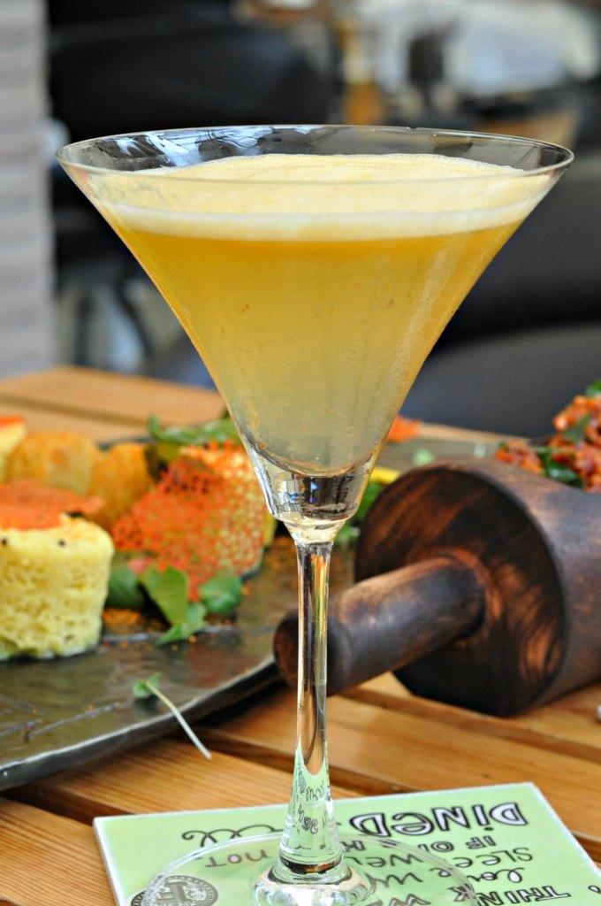 Vodka Mango Cocktail