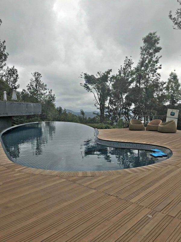 Infinty Pool JavaRain