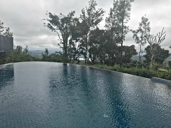 pool java rain