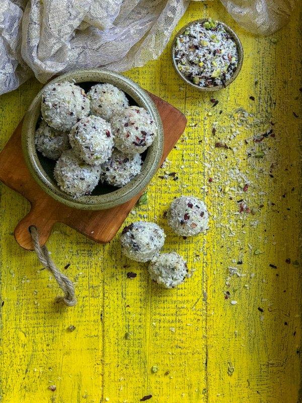 Pista Rose Coconut Ladoos
