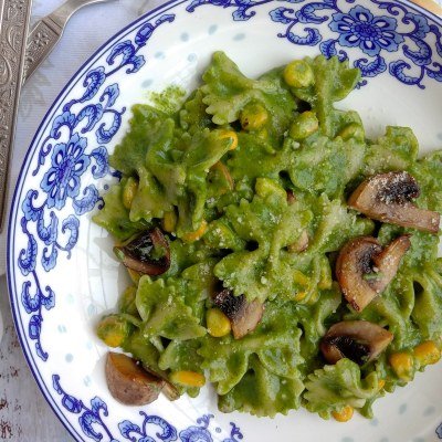 Creamy Spinach Pasta: And god knows what day of COVID lockdown