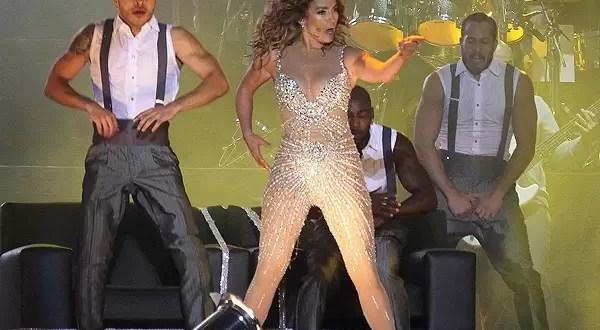 Roban a Jennifer López durante concierto en GEBA