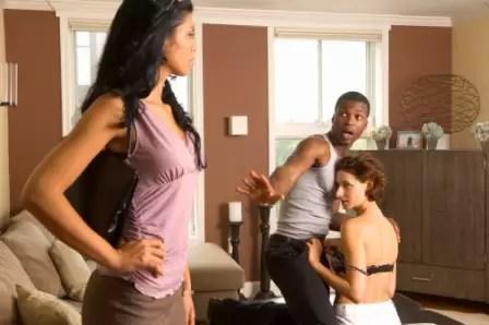¿Los hombres son infieles por amor a sus esposas?