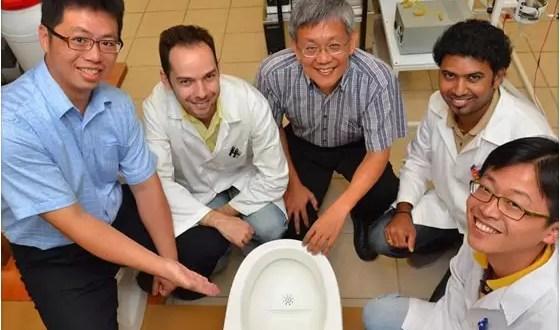 Inodoro inteligente convierte desechos en electricidad