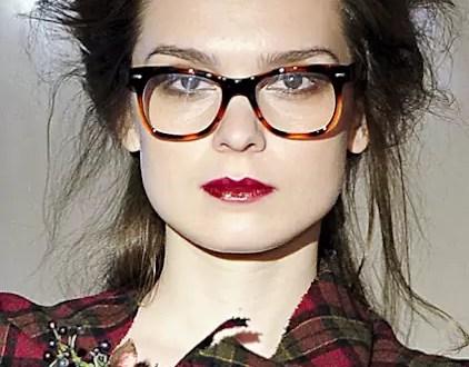¿Qué anteojos usar con qué peinado?