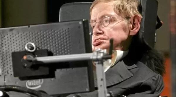 Stephen Hawking se ofrece para que experimenten con su cerebro