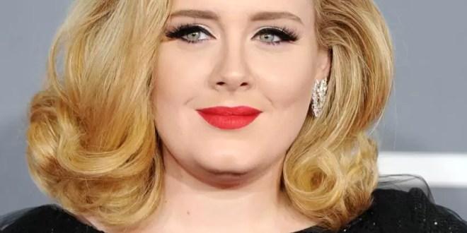 Adele dará a luz a su hijo en dos meses