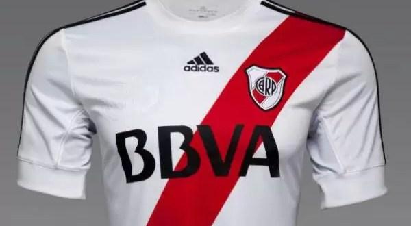 ¿Cuánto cuesta la camiseta de River de Primera?