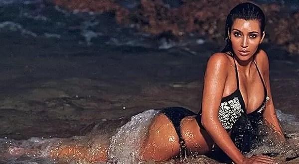 Foto: Kim Kardashian sexy en la playa de noche