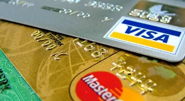 Los bancos no financiarán en dólares los gastos de tarjetas de crédito