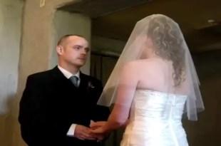 Se divorció y su anillo de bodas al espacio en un cohete