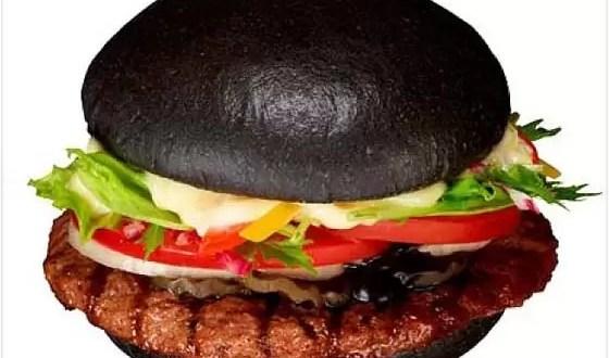 Burger King imita a McDonald's y lanza hamburguesa negra