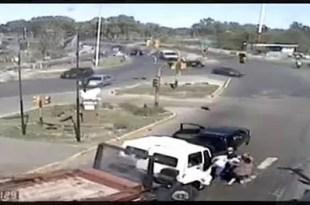 Video - Pelea de tránsito termina en muerte: Atropellan a una mujer
