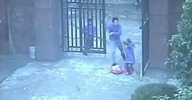 Terror en escuela china: hirió a 23 niños por el 'apocalipsis' - Video fuerte