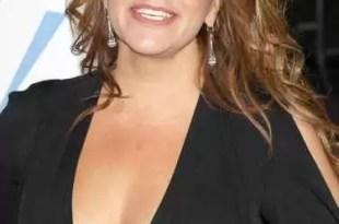 Murió la cantante mexicana Jenni Rivera en accidente aéreo
