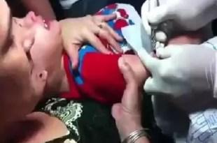Video terrible: Madre obliga a su hijo de tres años a tatuarse