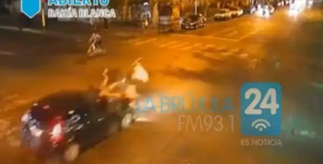 Video impactante: atropellan a dos mujeres en Bahía Blanca