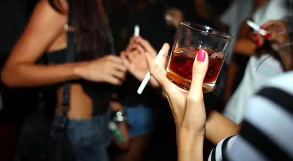 Los riesgos de mezclar alcohol con estimulantes