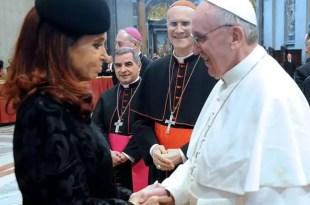 El Vaticano rechazó desmentir el informe sucio de los K contra el Papa